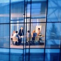 Szabályozási kockázatok szolgáltató cégeknél